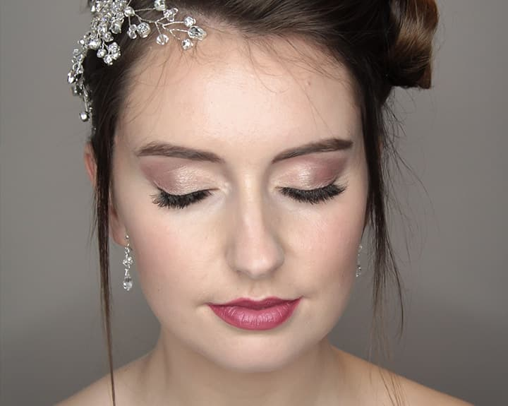 5 Questions To Ask When Booking A Makeup Artist